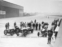 Brooklands 500 Miles start 1936.Photo.  Duesenberg, Lagonda LG45R & Pacey Hassan